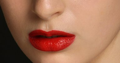 Can I wear red lipstick?