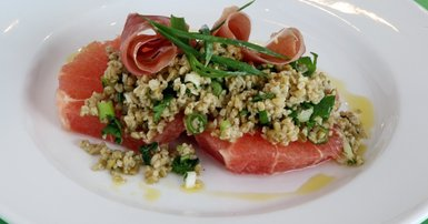 Freekeh salad with prosciutto and pink grapefruit